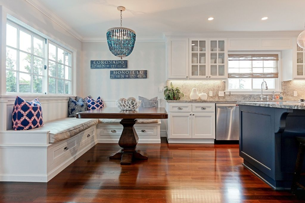 Cottage Kitchen With Dura Supreme Cabinetry Chapel Hill Panel