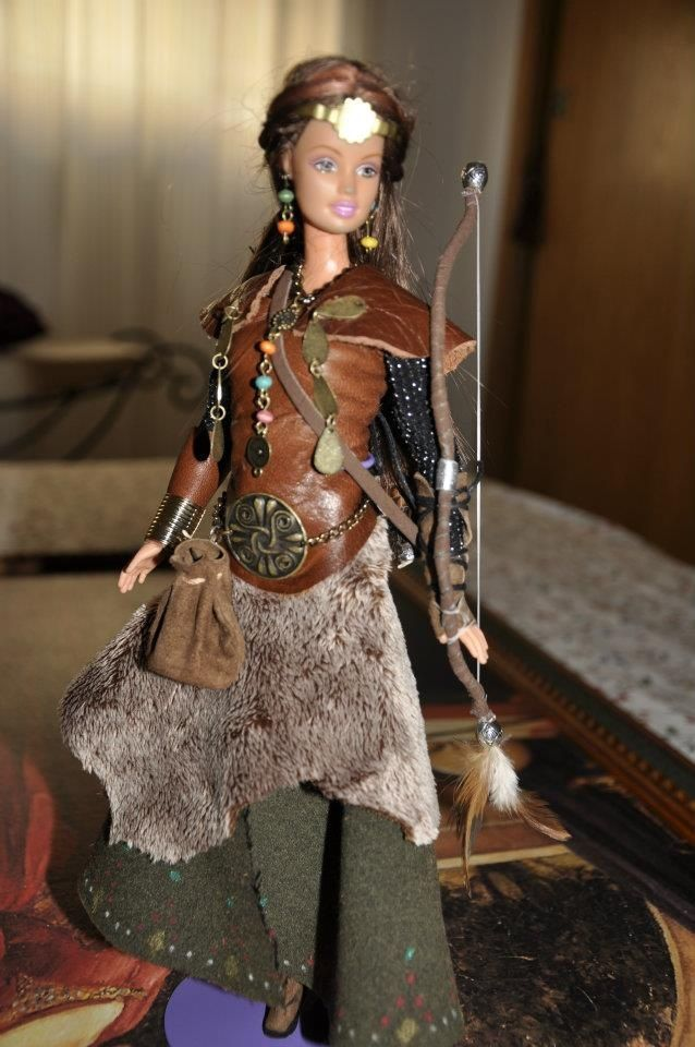 renaissance Barbie Dolls | 1000+ images about Barbie medieval y guerrera on Pinterest | December ...