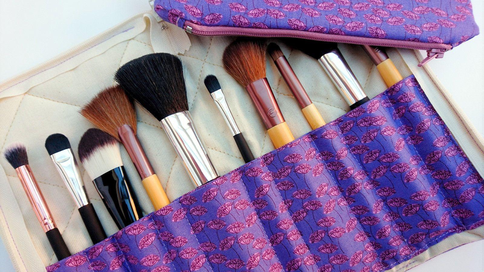 Makeup brush holder and bag set, travel makeup brush