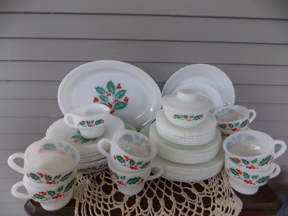 44 Piece Vintage Termocrisa Milk Glass Mexico Christmas Holly Berry Dinnerware : holly berry dinnerware - pezcame.com