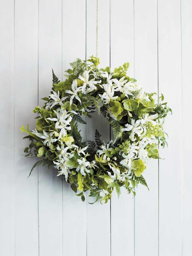 Matthew Robbins' wonderful wreaths (you can learn how to make one too!) #sweetpaulmakerie http://themakerie.com/creating-living-wreaths-with-matthew-robins/