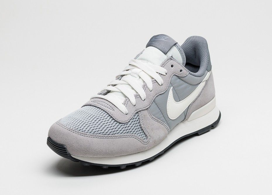 nike internationalist grey