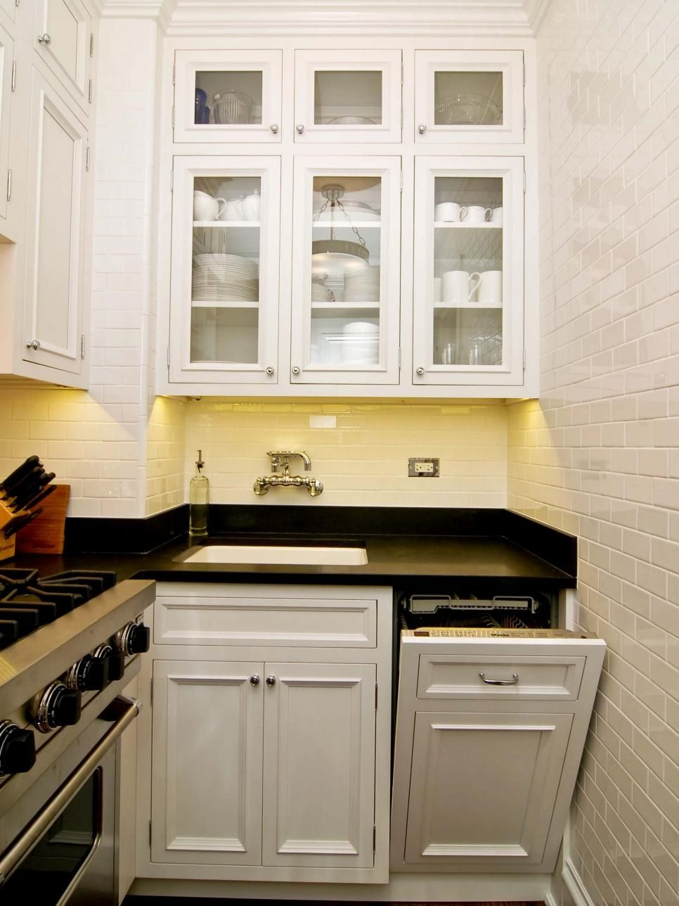 Best Small Space Gourmet Kitchen Small White Kitchens 400 x 300