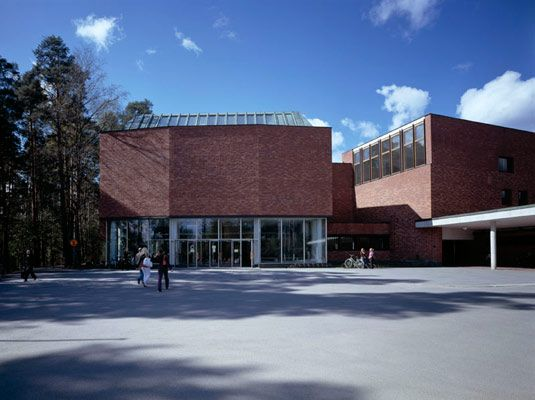 Jyväskylä University, main building (1954-56). Photo: Maija Holma, Alvar Aalto Museum.  |  Alvar Aalto  (3 February 1898 – 11 May 1976)