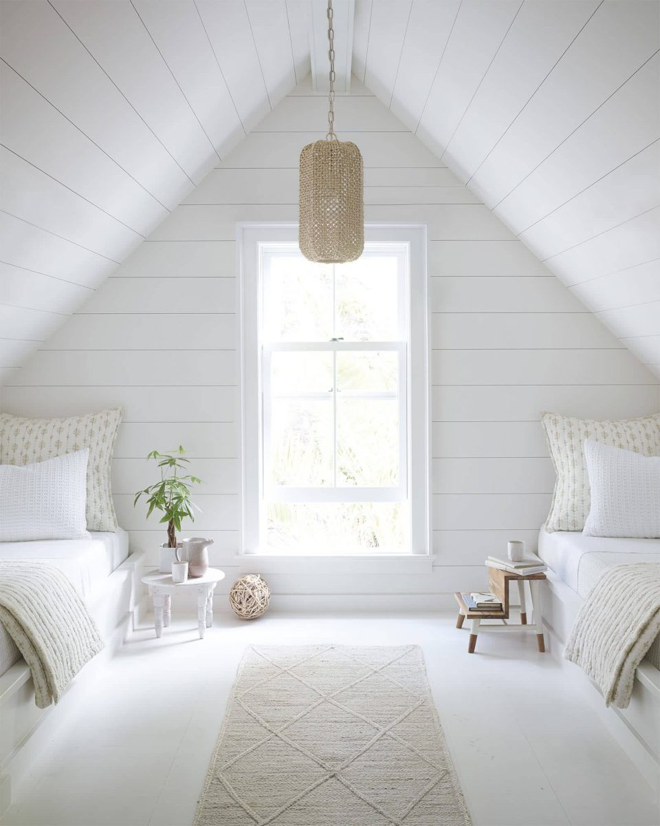 16 Relaxing Bedroom Designs For Your Comfort: 16 Amazing Attic Room Ideas To Create An Extraordinary