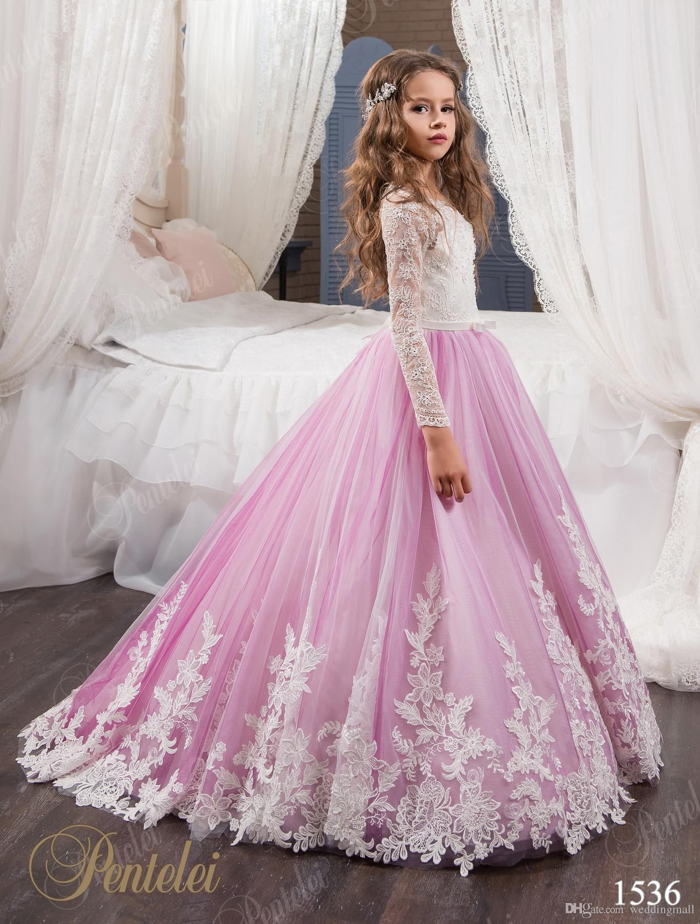 0140c6e21612b Vintage Princess Floral Lace Arabic 2017 Flower Girl Dresses Long Sleeves  Tulle Child Dresses Beautiful Flower Girl Wedding Dresses F0678