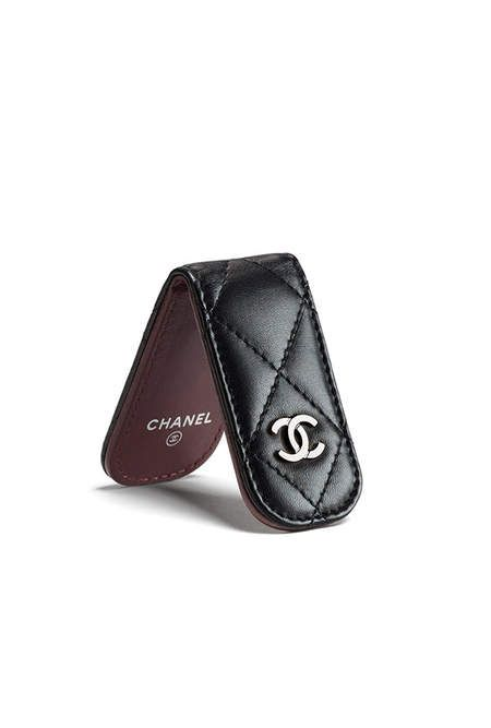 40b4e870758102 Chanel money clip | wallets | Chanel fashion show, Fashion, Chanel ...