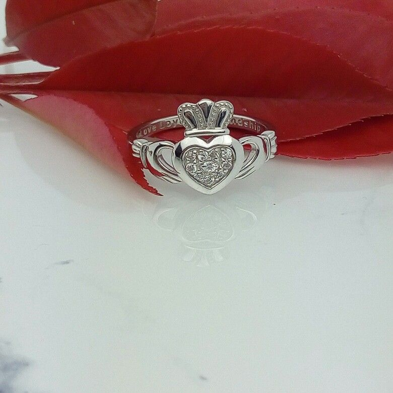 Sparkling Irish claddagh ring hand crafted in Dublin