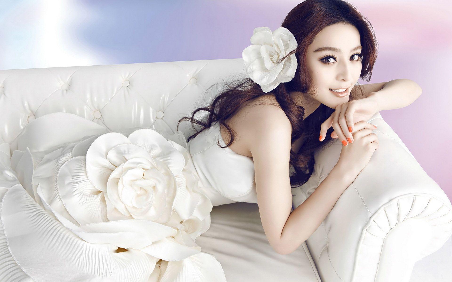 fan-bingbing-sofa-white-actress-asian-wedding-wedding-dress.jpg ...