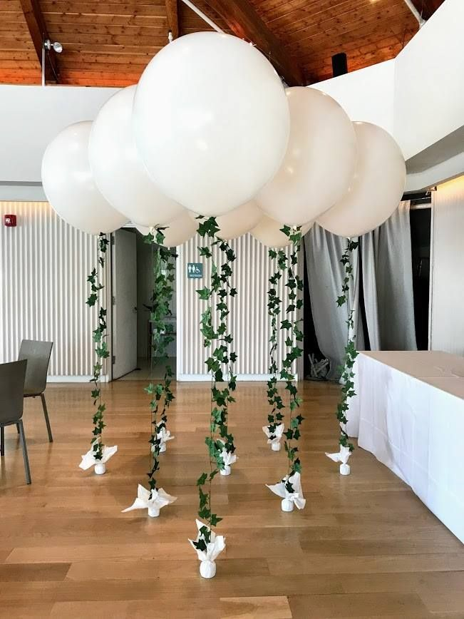 A small wedding can still have major décor impact with BIG balloons and a beautiful light and airy #organicarch #balloons, #balloondecorating, #lotparty.com #engagementparty