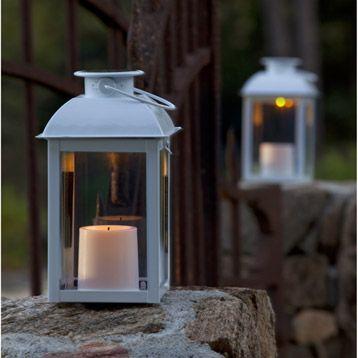 Rise And Shine Eclairage Solaire Pour Terrasses Et Balcons Avec Images Eclairage Solaire Lanterne Solaire Eclairage