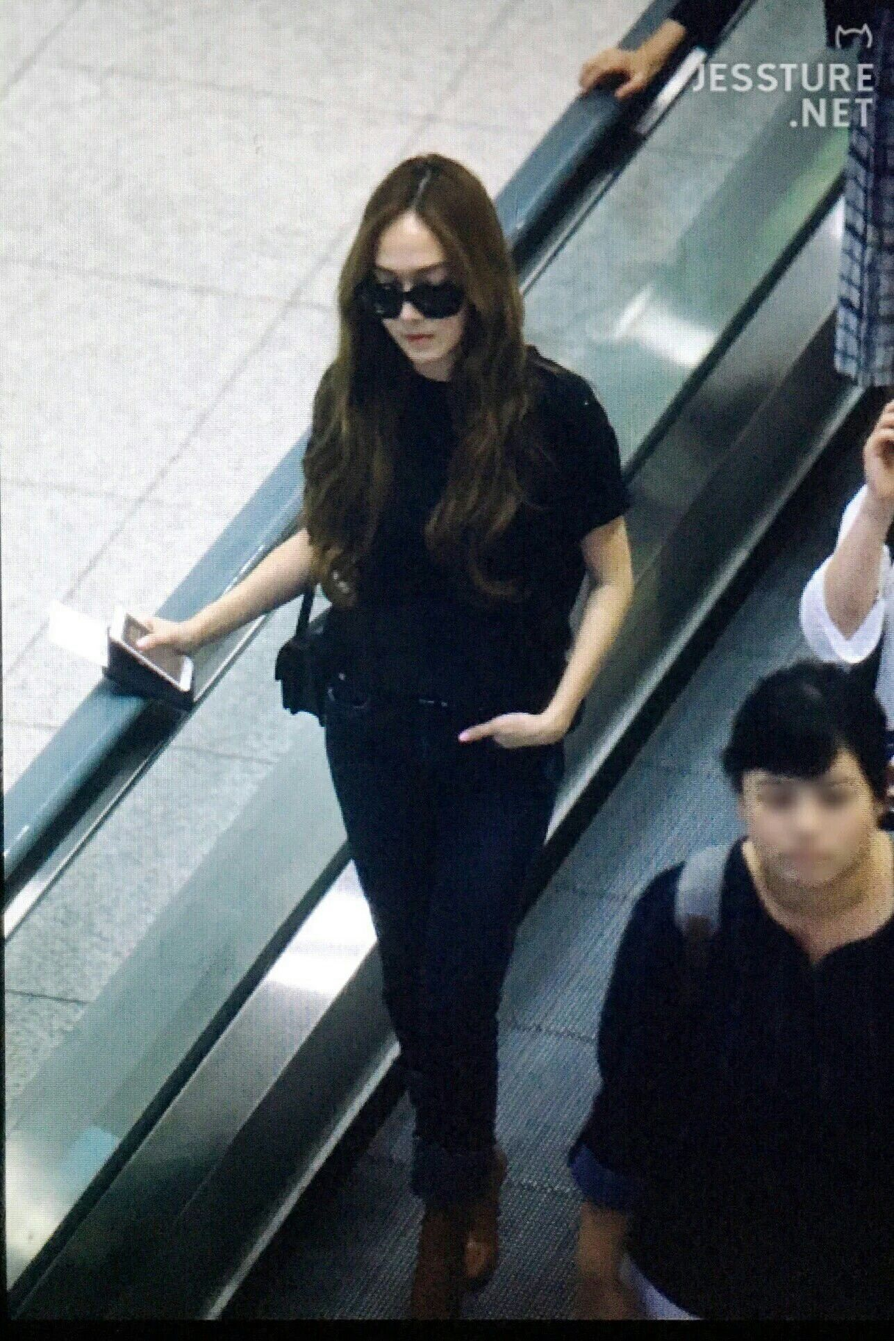 Jessica Jung at Icheon Airport.