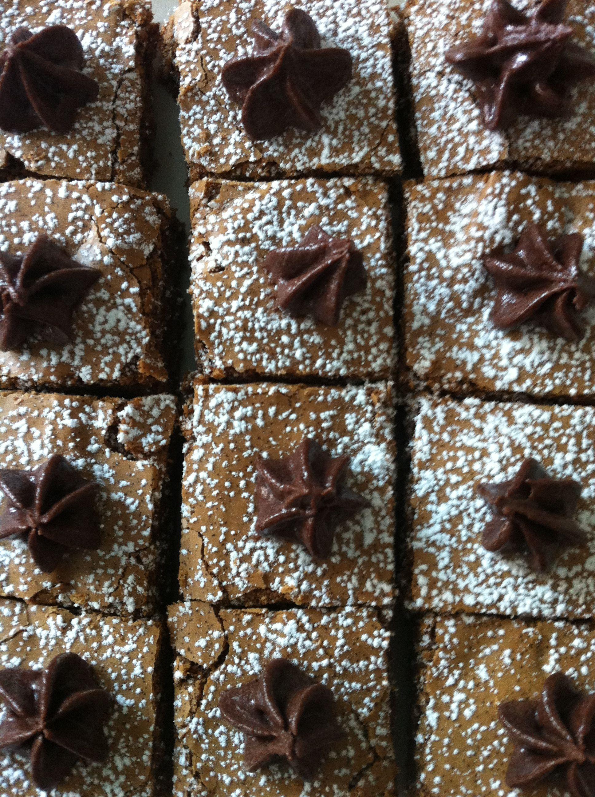Chocolate meringue cookie squares