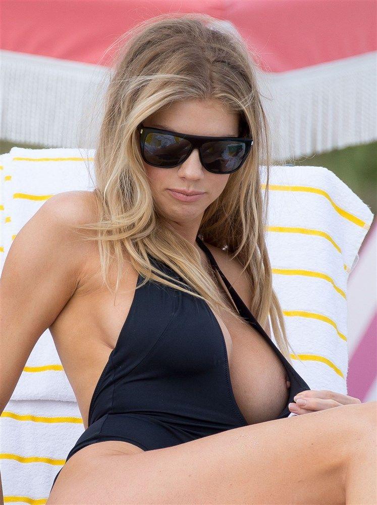 Bikini nip slip pics