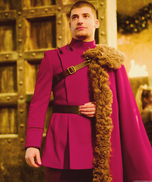 Viktor Krum Is Belle S Cousin Her Father S Brother Chose To Attend Durmstrang Instead Of Hog Harry Potter Films Harry Potter Characters Harry Potter Universal To join the iqs durmstrang team :horse: harry potter films