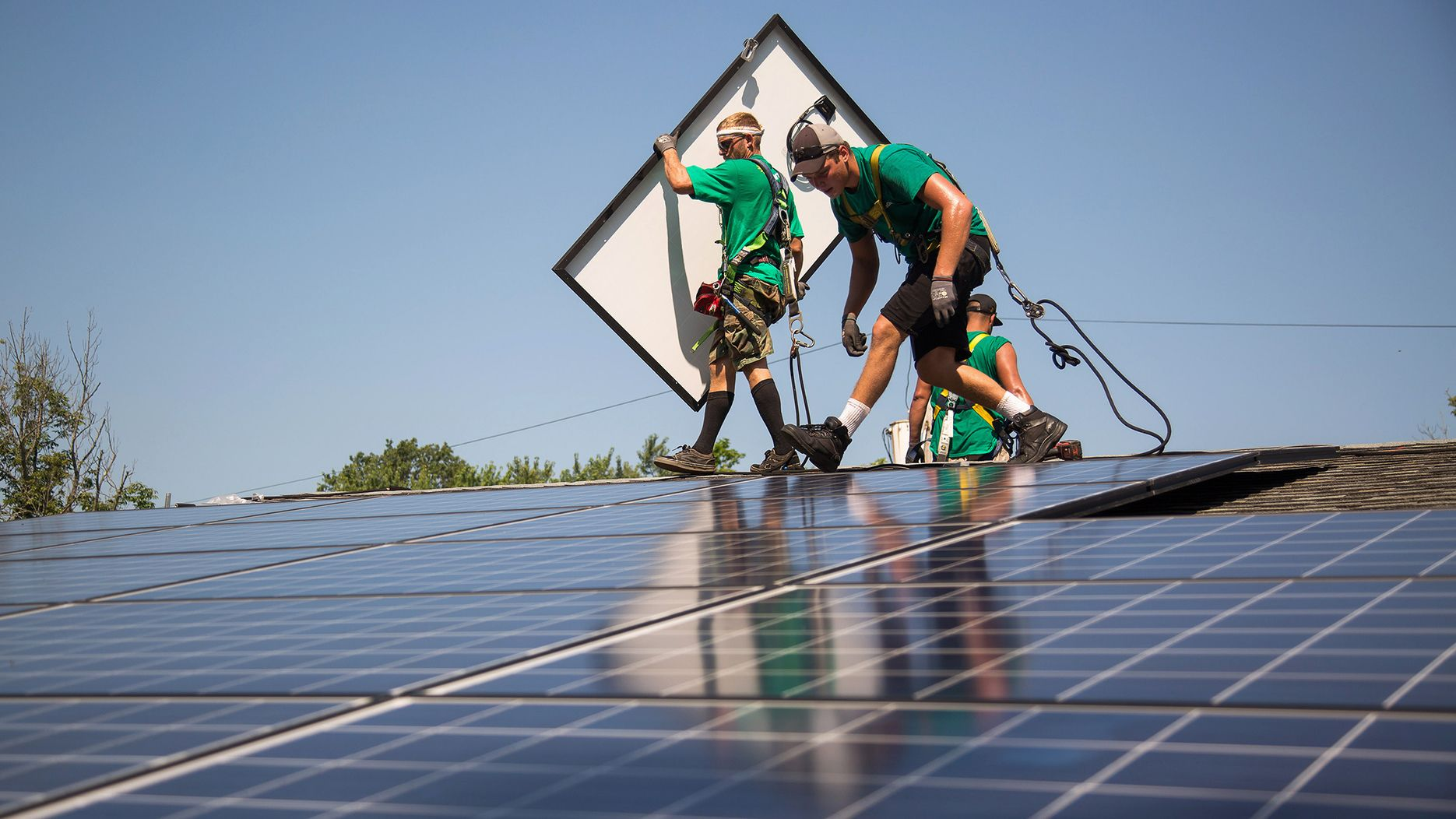 Clean-Energy Jobs Surpass Oil Drilling for First Time in U S
