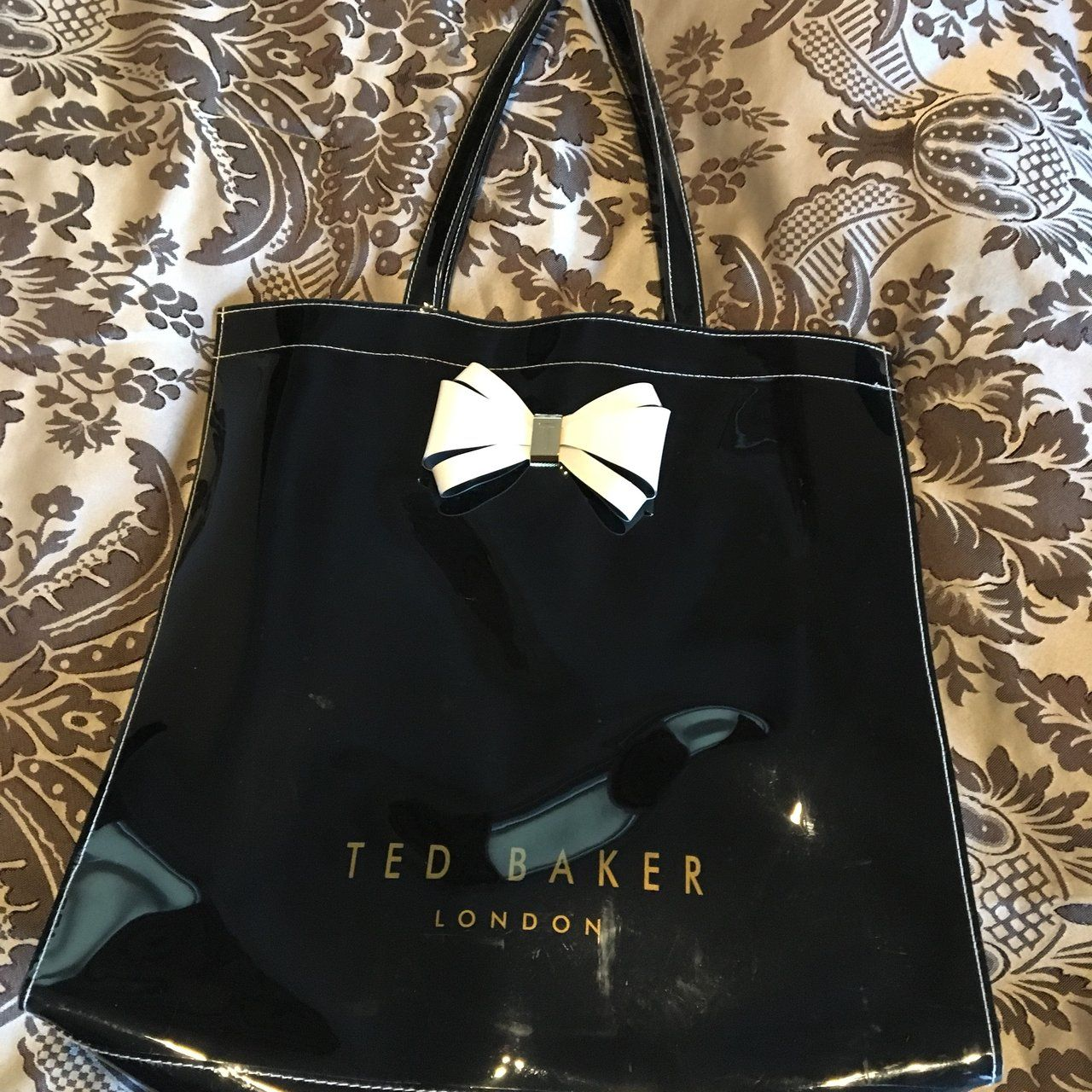 e330170ef709 REDUCED TO CLEAR Black ted baker bag - barely used so - Depop