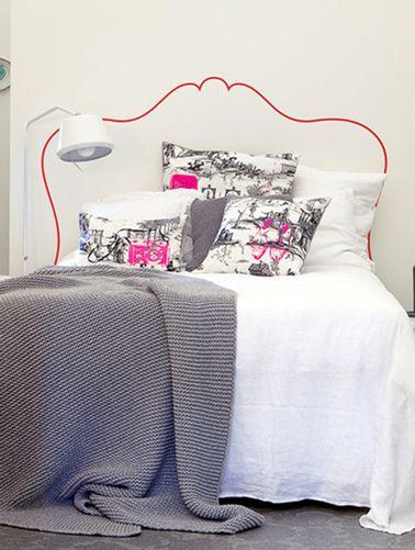 astuces d co pour agrandir une petite chambre dans la chambre tete de et le chambre. Black Bedroom Furniture Sets. Home Design Ideas