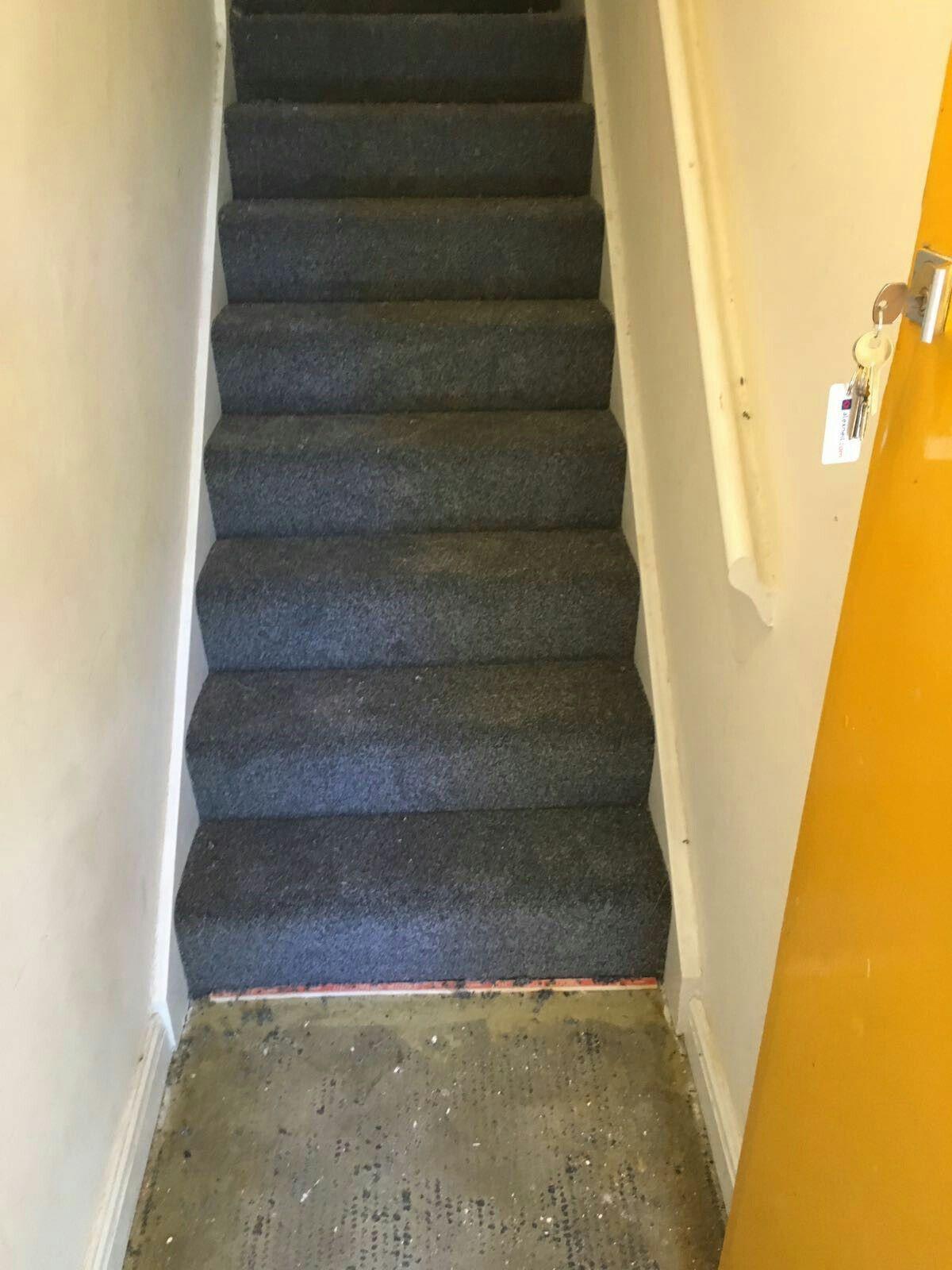 A Silver Door Threshold - Carpet And Flooring Bermondsey -