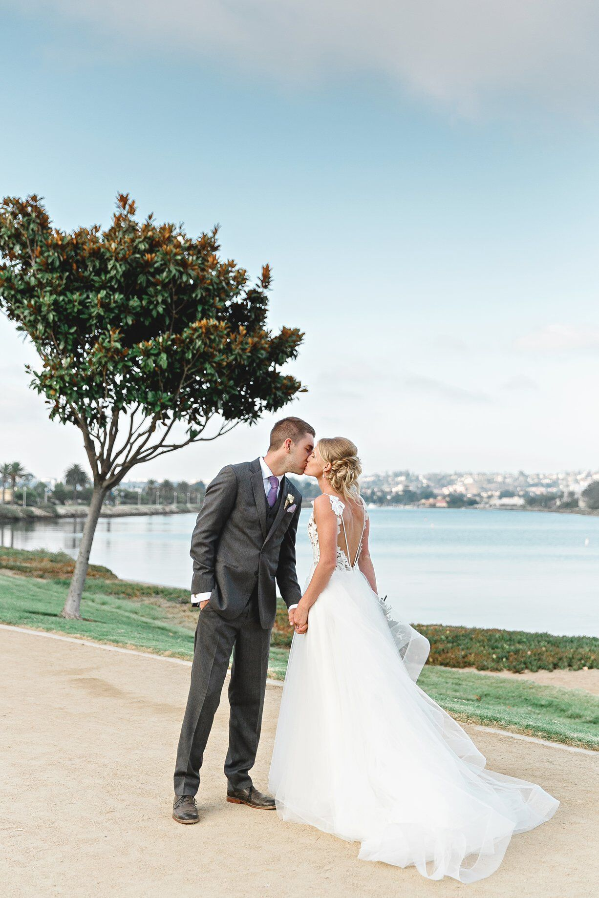 Helen And Tylor S Wedding At Brick San Diego Magnolia Wedding San Diego Wedding Indoor Wedding