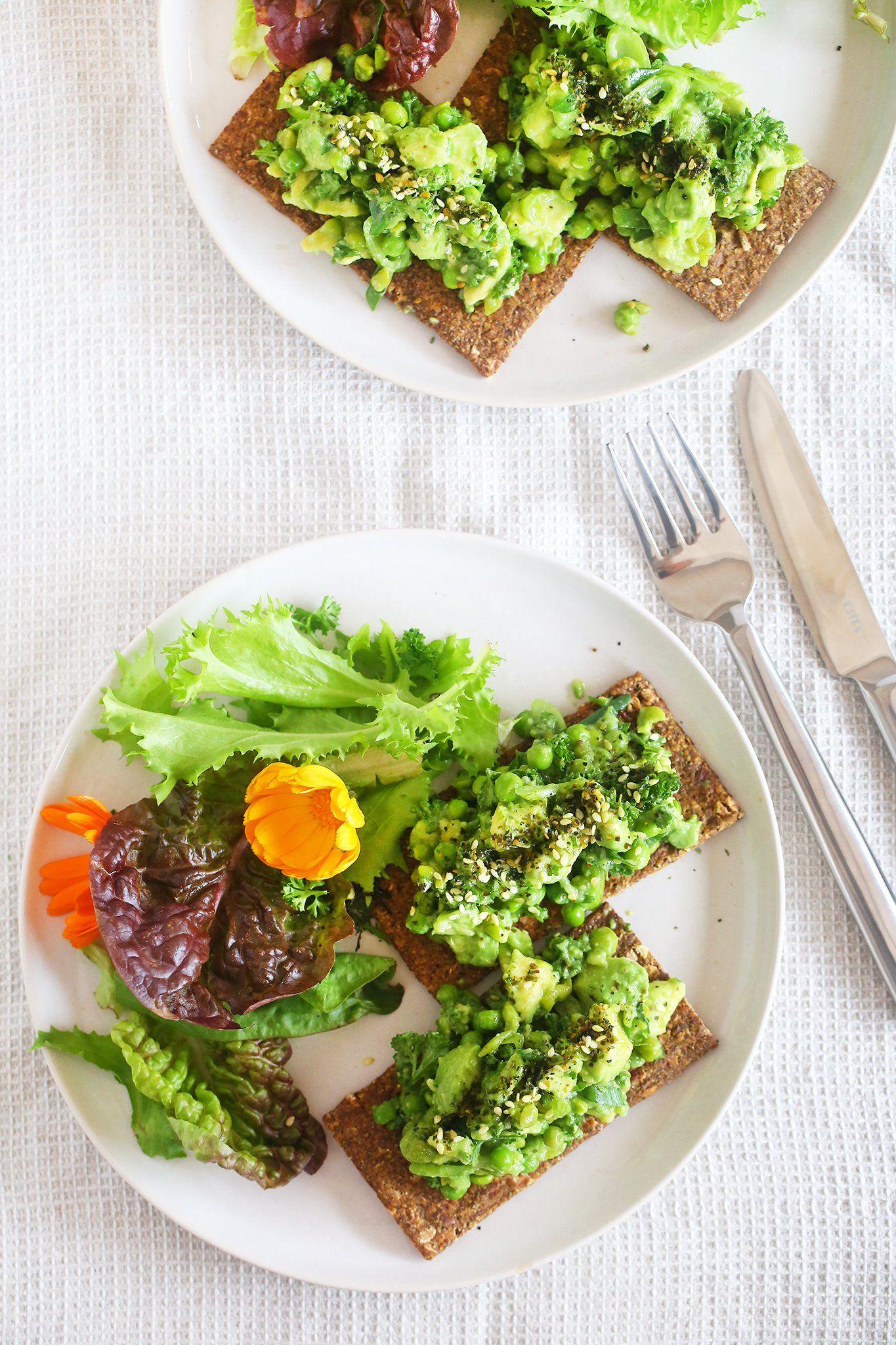 Die beste jemals Avocado- und PEA SMASH!  - Einfache, nur 10 Minuten, vegan, auf pflanzlicher Basis, milchfrei, gesund, glutenfrei, Mittagessen, Snack, Rezept, begoodorganics 1