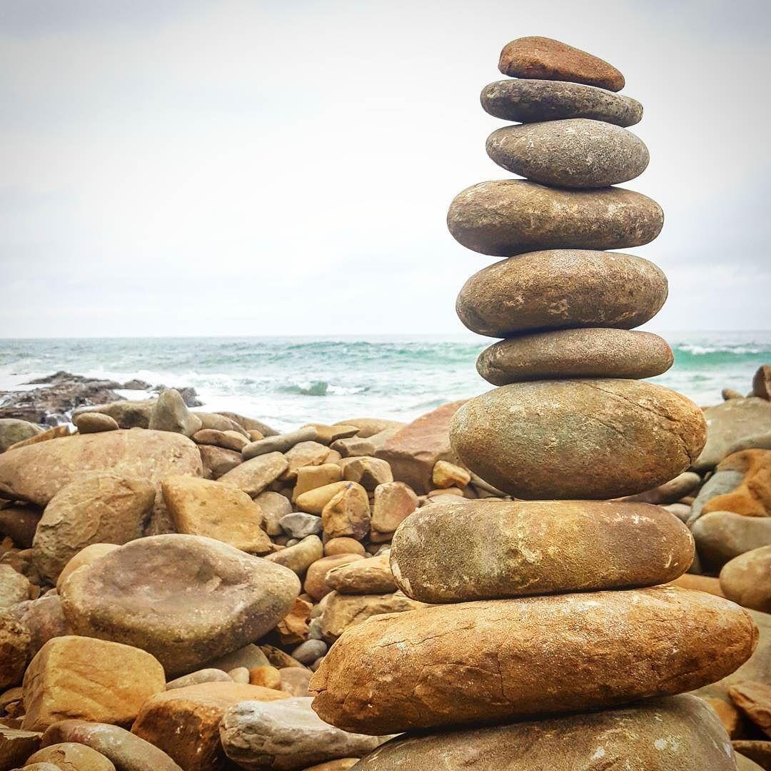 Rocky beach on the great ocean road #greatoceanroad #australia #oz #melbourne #bentiuisthebest #travel #wanderlust #picoftheday #photooftheday #viewoftheday #travelpics #travelphotography #sea #beach #rocks #rocky #rockpile by daniella932