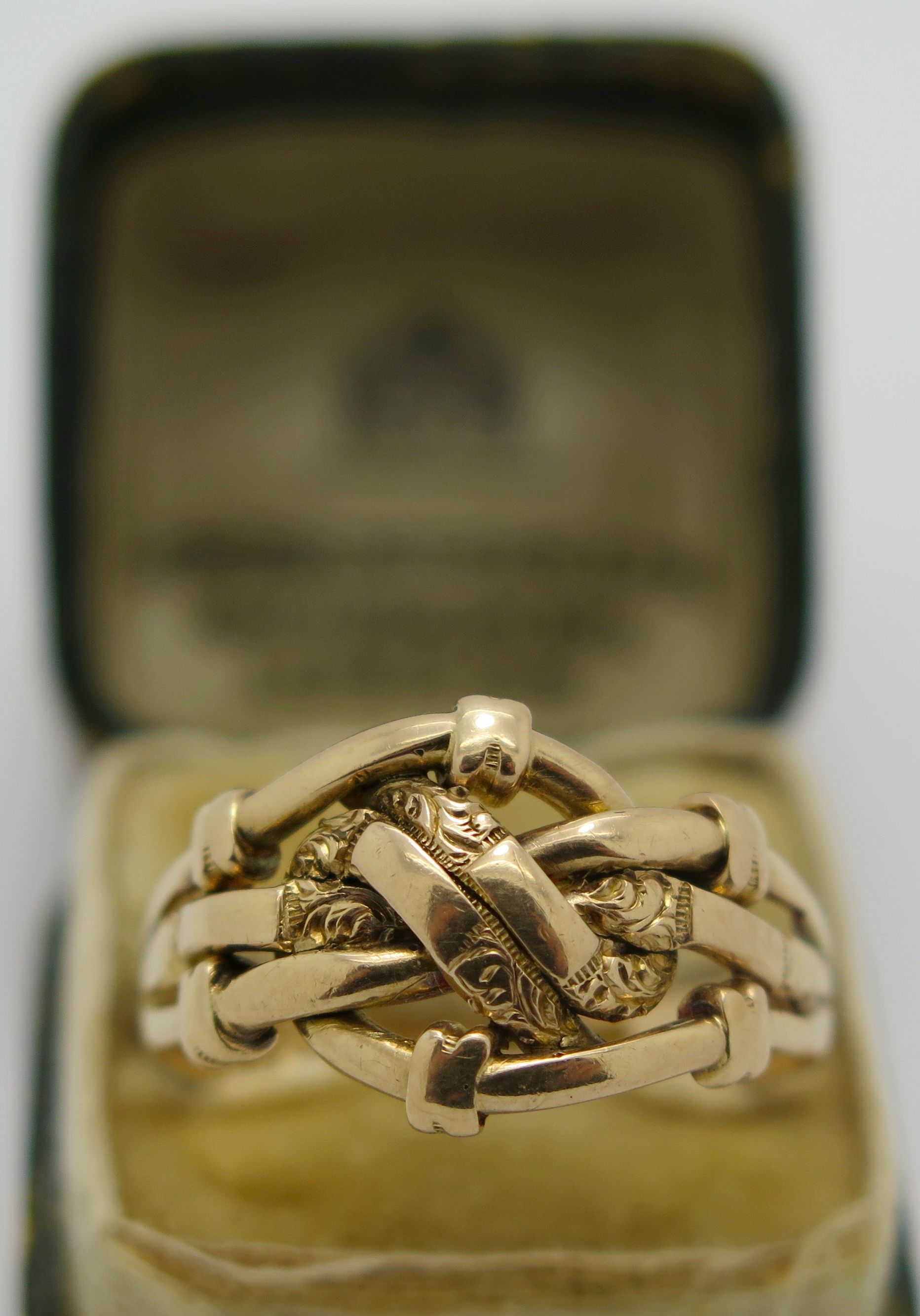 A Fine English 18k Gold Victorian Lovers Knot ring Birmingham 1900