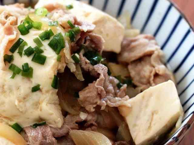 めんつゆだけで♪簡単すぎるお手軽肉豆腐の画像