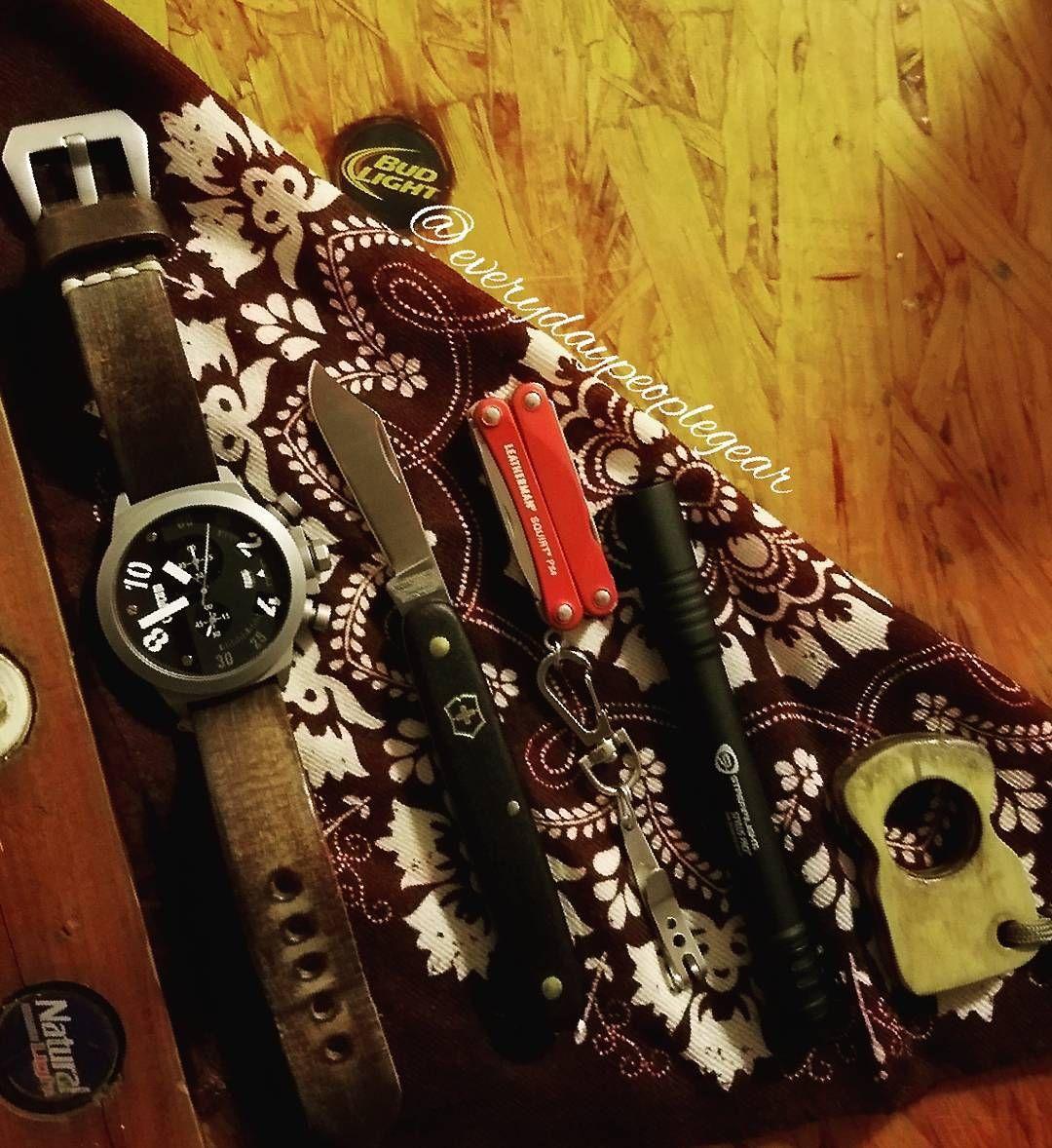"EVERYDAY PEOPLE GEAR (@everydaypeoplegear) on Instagram: ""#atthebar #pocketdump #breedwatches #victorinox #leatherman #leathermansquirtps4 #streamlight…"""