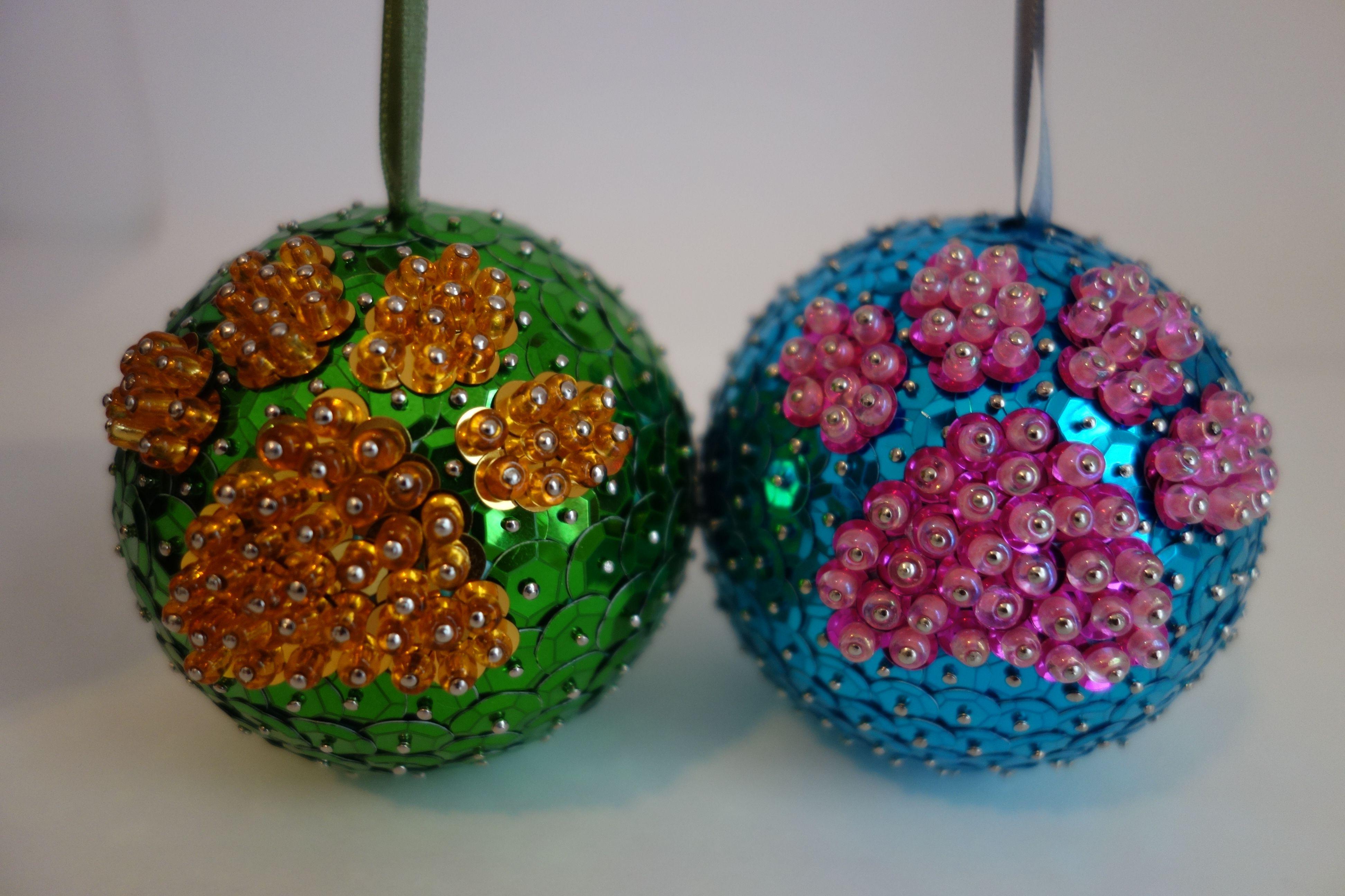 Dog Paw Balls Made Of Sequins And Beads Homemade Christmas Ornaments Diy Handmade Christmas Ornaments Christmas Ornaments Homemade