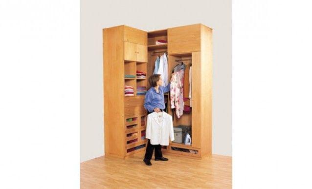Fabriquer soi-même un dressing pour petit espace Bookcase closet - fixation porte de placard