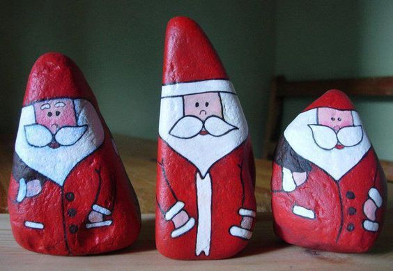 Santa rocks \u2026 Más deco Pinterest Trabajos manuales para