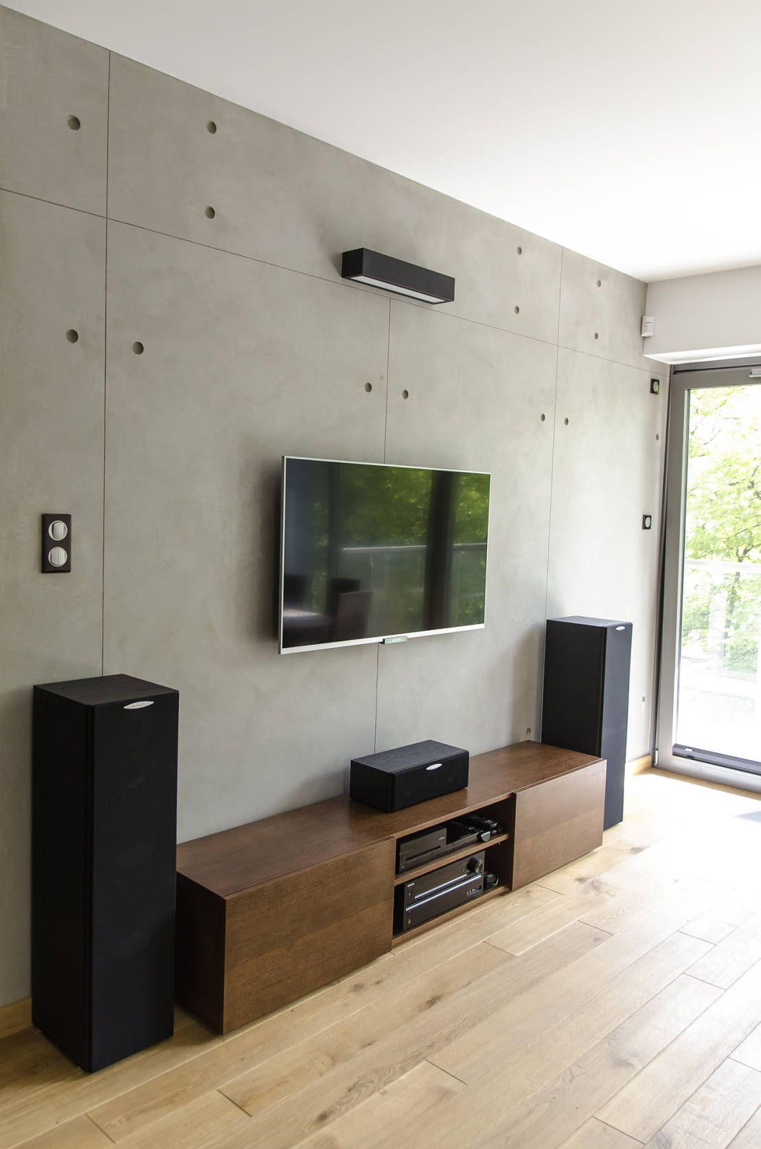Living Room Wall Panel Design: Industrial Style Living Room With Concrete Wall Panels