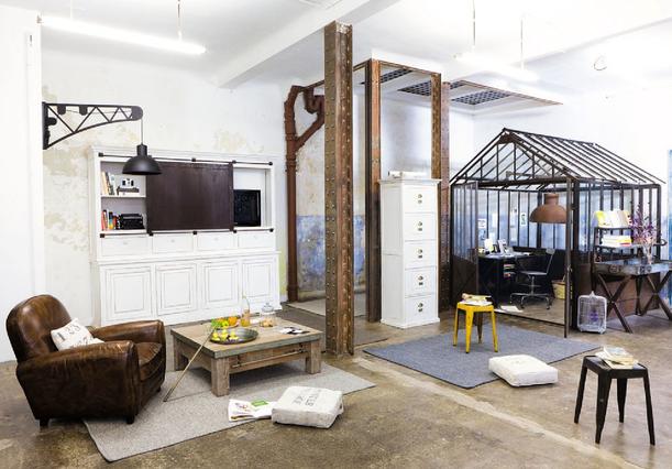 Bureau vitré dans le salon favorite places spaces