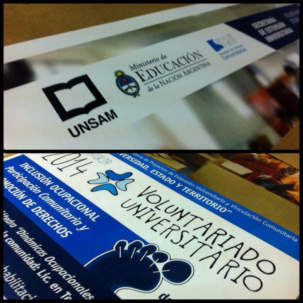 Parte de los últimos trabajos: diseño e impresión de afichetas para el Voluntariado Universitario de la UNSAM