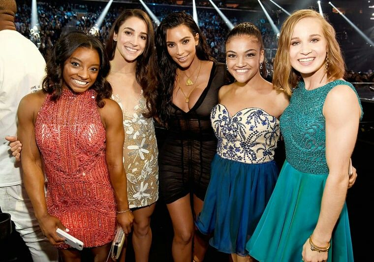 Simone Biles, Aly Raisman, Laurie Hernandez and Madison Kocian pose with Kim Kardashian