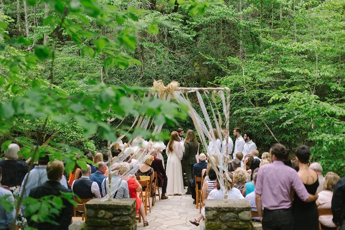 A mountain wedding ceremony | fabmood.com