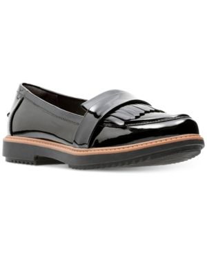 1858aa2b779 Clarks Collection Women s Raisie Theresa Loafers - Black 7.5M ...