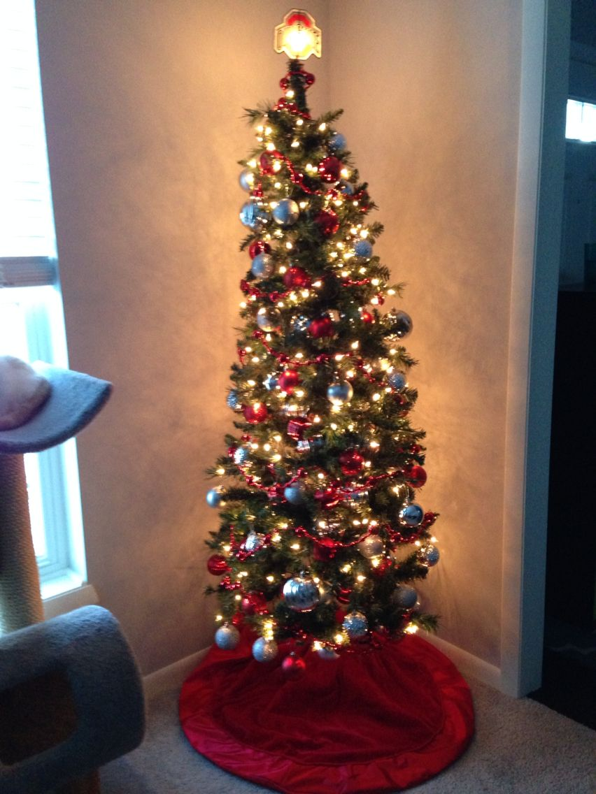 Ohio State theme Christmas tree in my den | My house | Pinterest ...