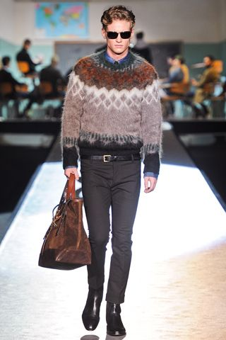 Linne: Jeg digger denne som en Sashiko vår inspo genser!!!!          Dsquared² Fall 2012 collection slideshow