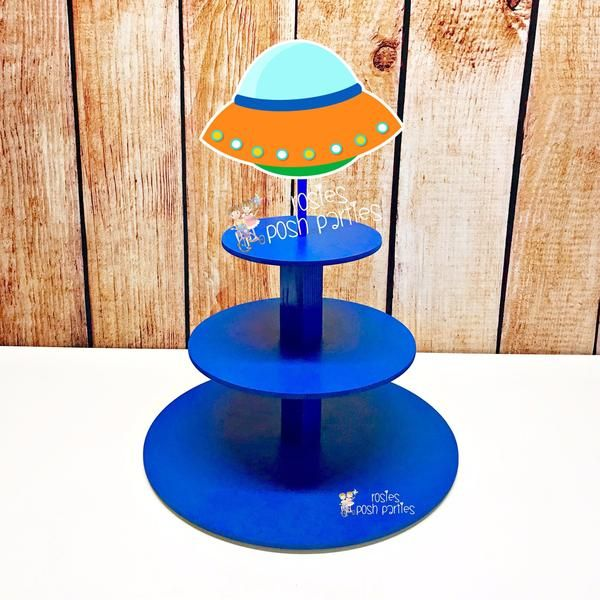 Outer Space UFO Astronaut Theme Cupcake Favor Stand #outerspaceparty
