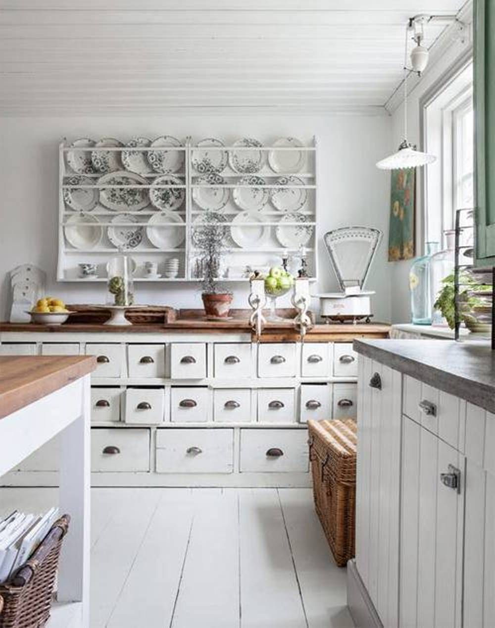 25 CHARMING SHABBY CHIC STYLE KITCHEN DESIGNS