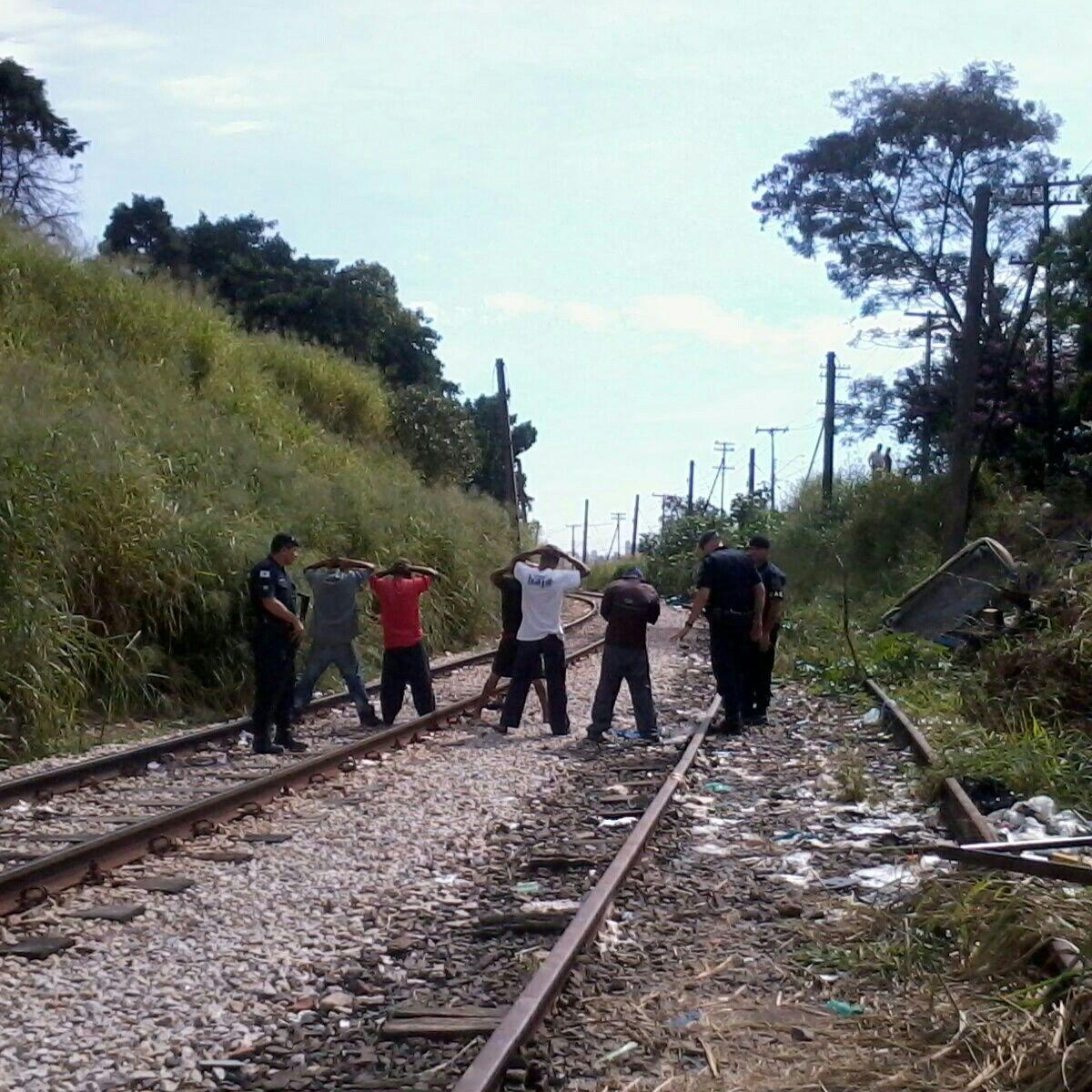 Crack na linha do trem
