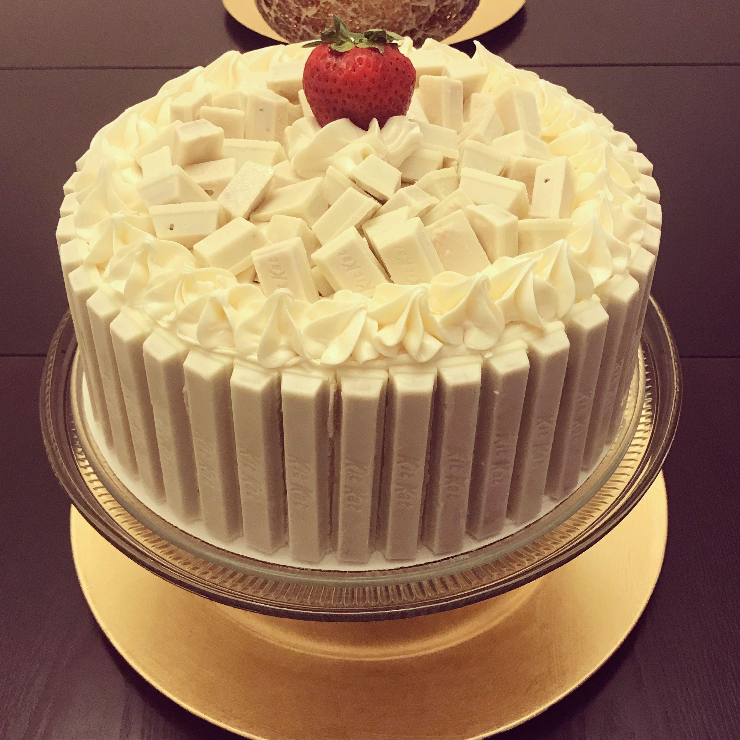 white chocolate kit kat cake cake kitkat kitkatcake