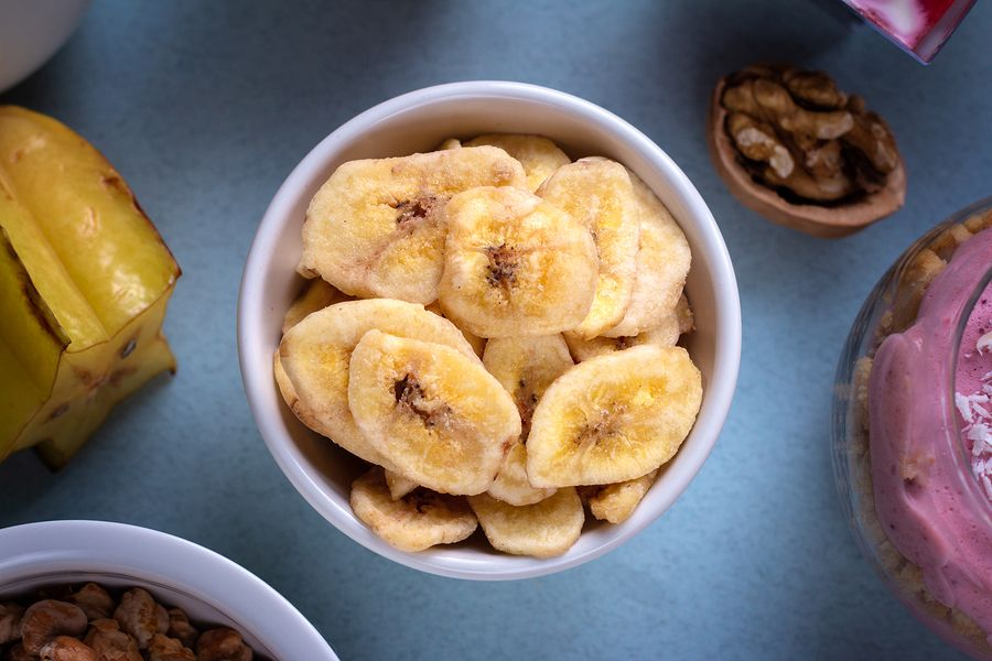 How To Dehydrate Bananas & Strawberries Use As A Snack