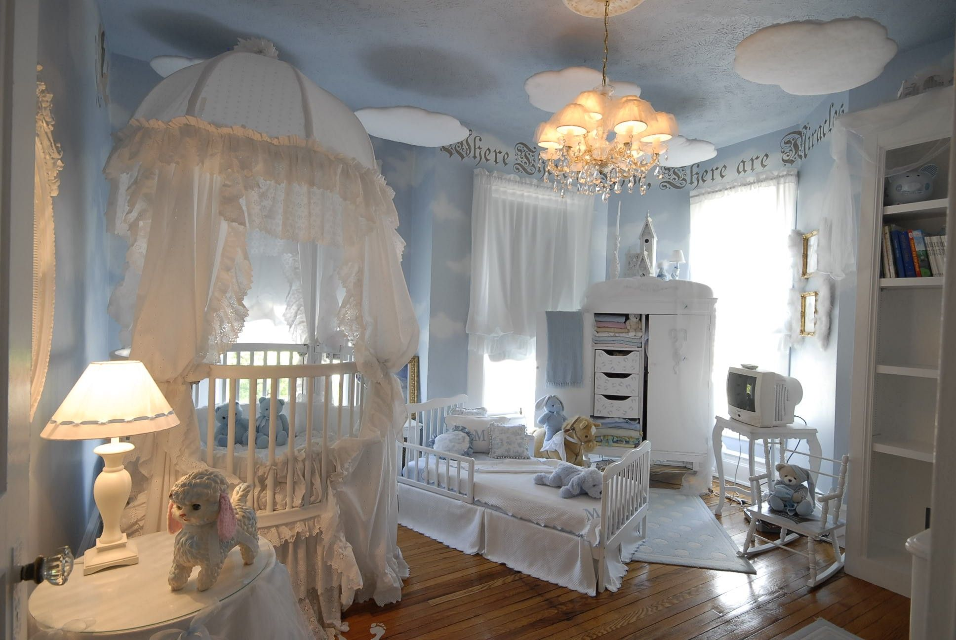 Kid Bedroom Ideas And Baby Bedroom Interior Design With White Stained Wooden Canopy Crib With White Lace Curtain Combi Luxury Nursery Baby Room Decor Girl Room