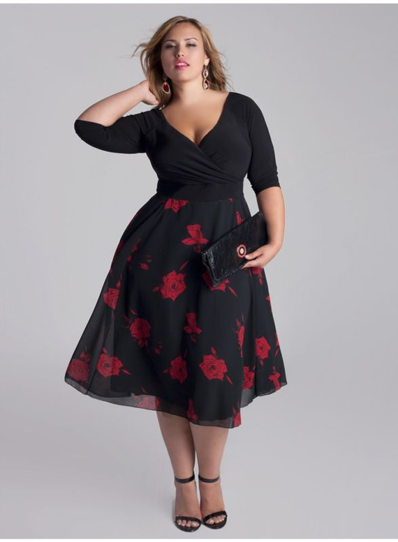 If you're #PlusSize 26 here's an absolutely stunning party #dress for you from Igigi. This is the Isadora dress for you in perfect combination with black jersey top and red roses on black flouncy chiffon skirt! #NyCFitnessFamilyFinds