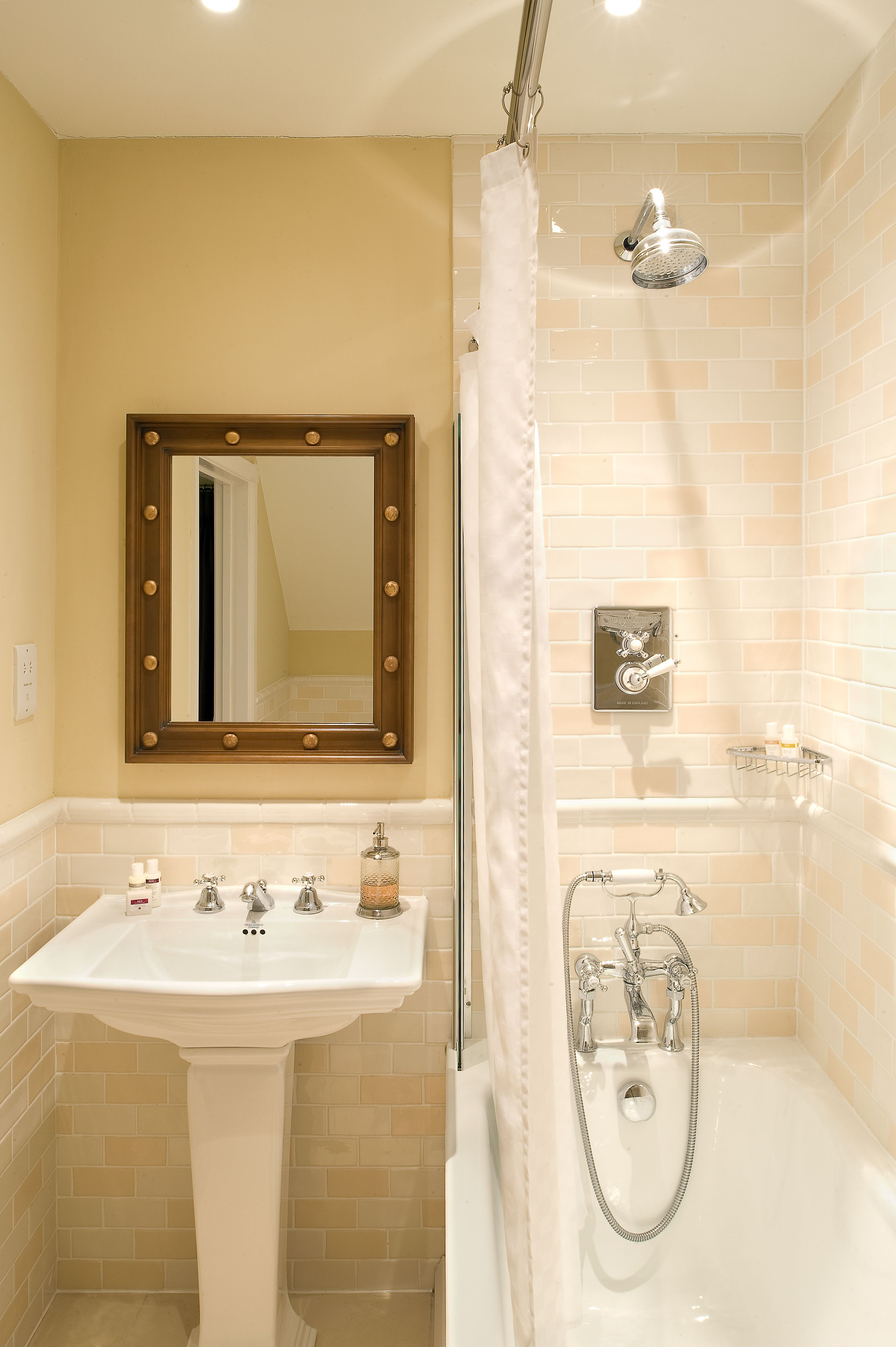 Traditional Bathroom with Stainless Steel Shower Rail, Curtain and ...