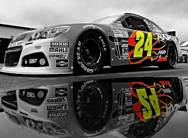 Jeff Gordon 24 One Of The Few Drivers That Wasn T Intimidated By The Intimidator Next Season Without Go Jeff Gordon Nascar Nascar Race Cars Jeff Gordon Car