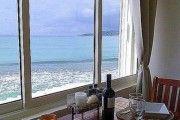 Cadre idyllique sur la plage au bord de la Mer des Caraibes ! - Location Studio #SaintMartin #BaieNettle